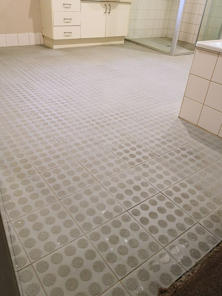Before-Bathroom-Tile-Cleaning.jpg