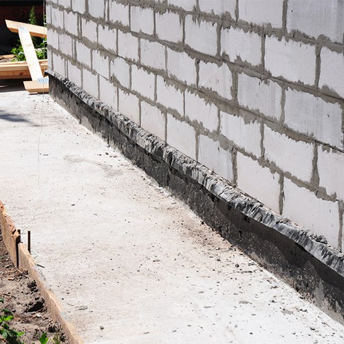 General-Photo-of-a-Damp-Wall-2